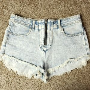 Kendall & Kylie High Rise Short Stone Washed